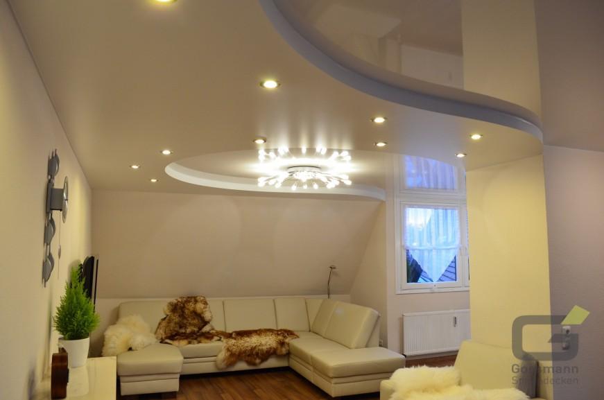 wohnzimmer deckenverkleidung hausdekorationen und. Black Bedroom Furniture Sets. Home Design Ideas